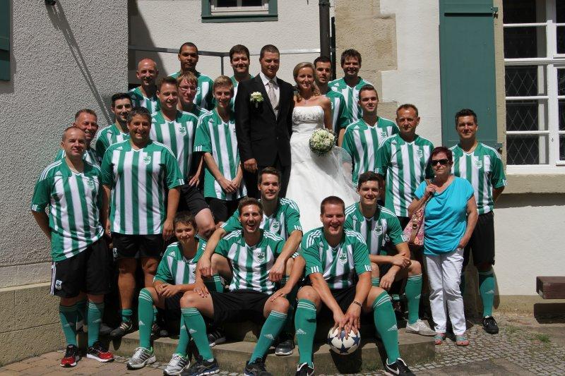 http://tsv-niederhofen.com/images/fussball/aktive/Hochzeiten/MarcoNadine.jpg